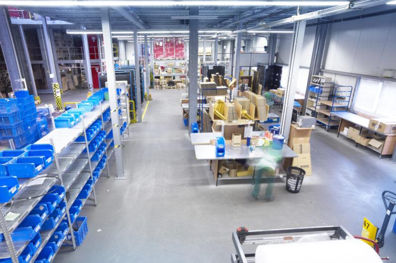 Ersatzteilmanagement Ersatzteillogistik Warehouse Kitting Pick Pack Logistik Versand
