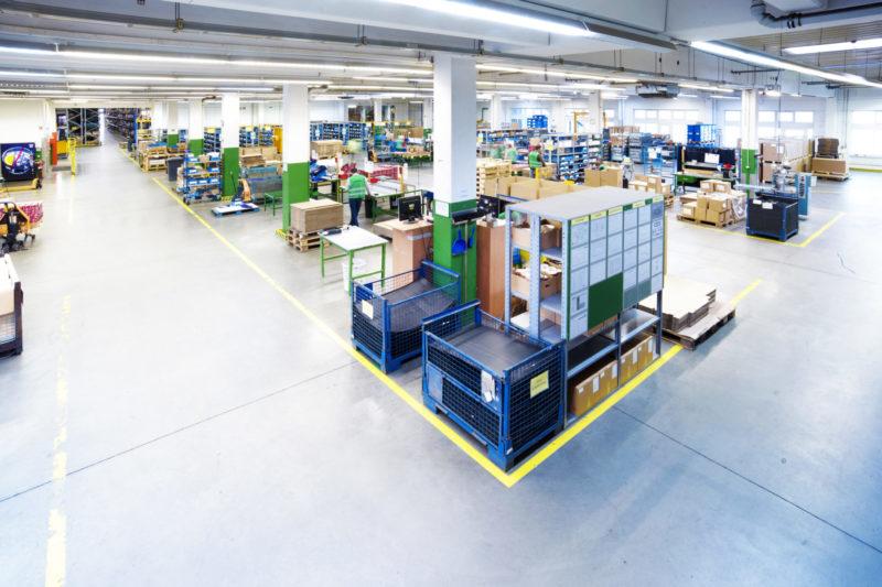 Ersatzteilmanagement Materialplanung Konfektionierung Logistik Verpackung Warehouse Kitting Kommissionierung