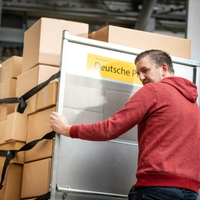 Warenausgang Bestellprozess Auftragsabwicklung Versand Ecommerce Bestellungen Post Zustellung