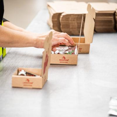 Kitting Kundenverpackung Verpacken Verkaufsset Werkstattkits Montagekits Ecommerce Lohnverpackung
