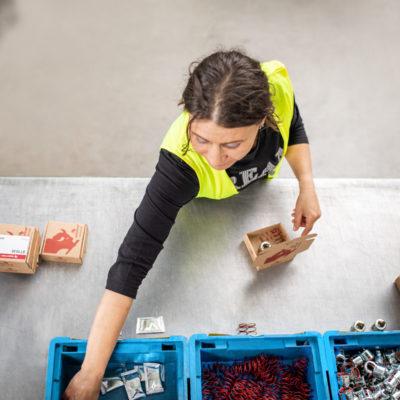 Kitting Lohnverpackung Verpacken Set Building Ersatzteillogistik Verkaufssets Montagekits Kundenverpackung