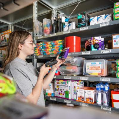 Kommissionierung Ecommerce Bestellung Bestellprozess Abwicklung Lagerlogistik Kleinteilelager Paketdienste Versand