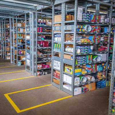 Lager Kleinteilelager Warehousing Bestellabwicklung Ecommerce Lagerplatz Kommissionierung Paketsendungen Regalsystem