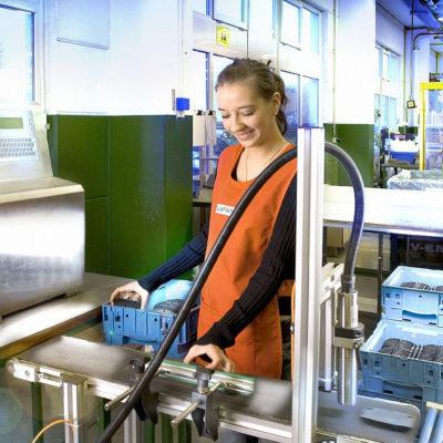 Lohnfertigung Lohnarbeit Lohnhersteller Lohnverpackung Konfektionierung Kommissionierer Etikettieren