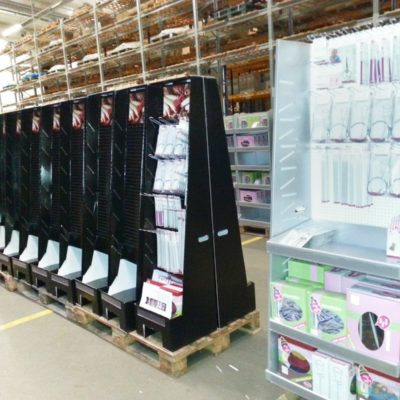 Pos Display Pos Design Displaybau Fulfillment Verkaufsdisplays Thekendisplays Acryl Copacker Copacking Lohnarbeit 3