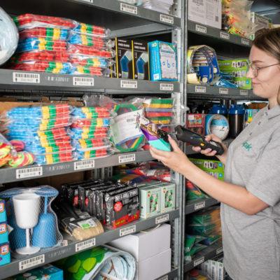 Versandlager Kommissionierung Kleinteilelager Lagerlogistik Bestellabwicklung Warehousing Binning Online Shop
