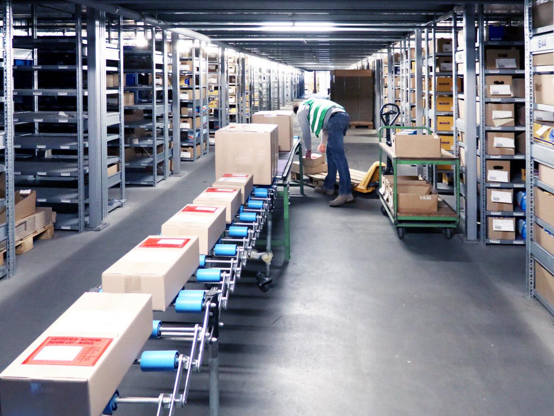 Warehouse & Logistics e-commerce/online-shops